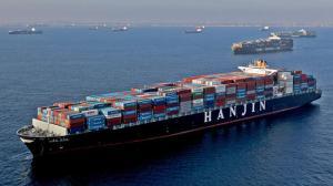 la-fi-port-container-ships-pg-024
